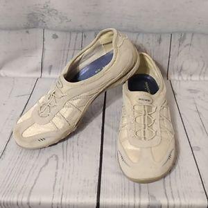 Skechers relax fit memory foam shoes size 8